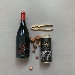 Rotwein, Trüffel, Nüsse